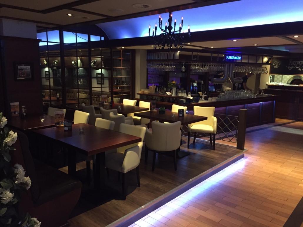 Restaurant Mühlenstein Wedel Burger Pizza Brunch Mittagstisch Blick auf die Bar