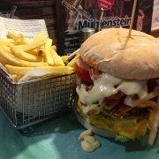 Restaurant-Wedel-Mühlenstein-Burger-Pizza-Brunch-Mittagstisch-Biggest-Burger-Wedel