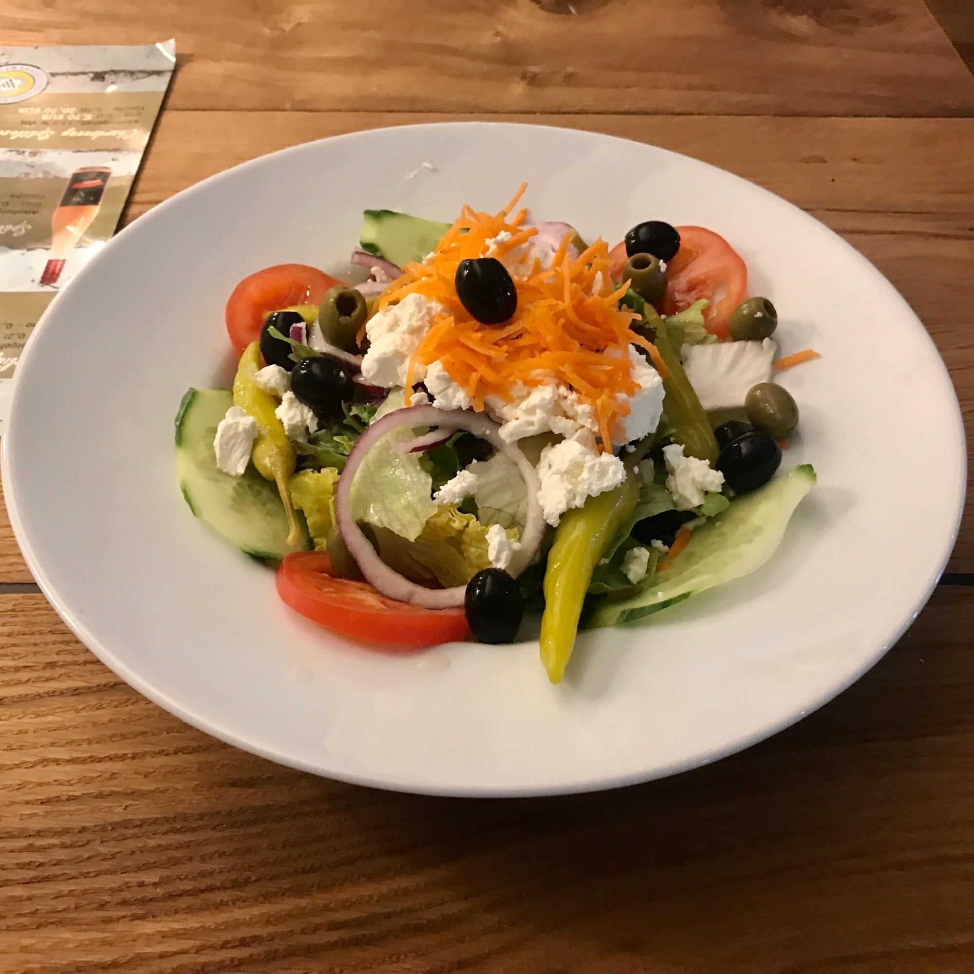 Restaurant-Wedel-Mühlenstein-Burger-Pizza-Brunch-Greek Salad