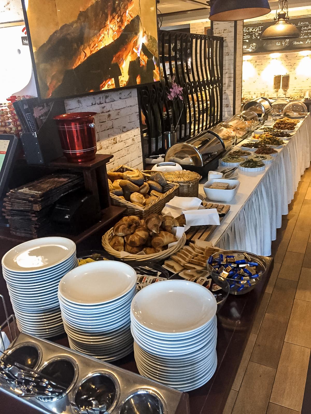 Restaurant-Wedel-Muehlenstein-Burger-Pizza-Brunch-Buffet Überblick