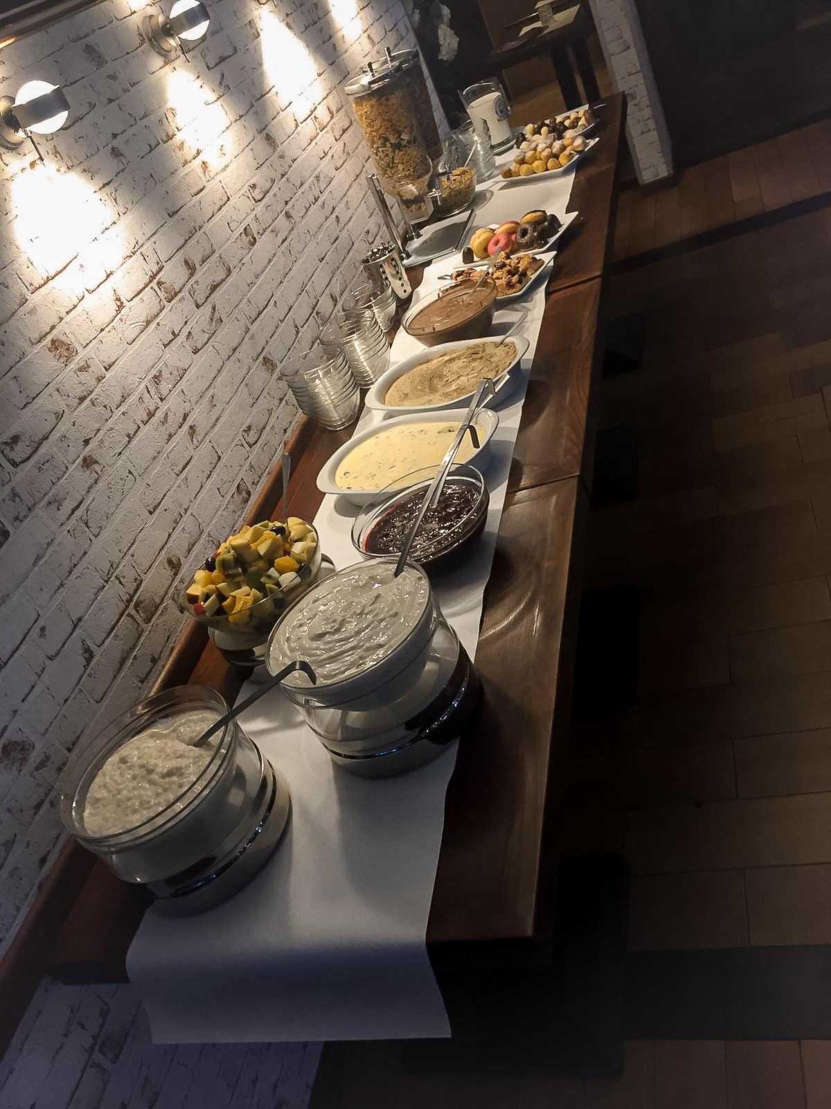 Restaurant-Wedel-Muehlenstein-Burger-Pizza-Brunch-Buffet Ambiente